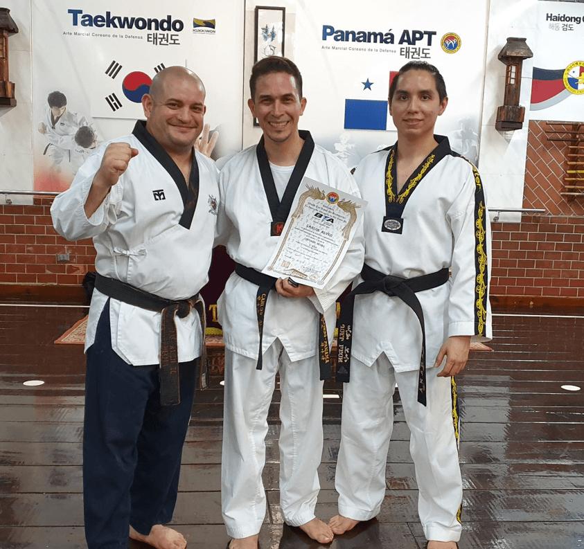 Read more about the article ¡Nuevos Sabom Nim en la Academia Panameña de Taekwondo!